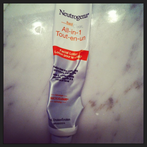 neutrogena rapid clear all in one facial lotion