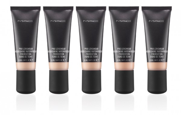 MAC Pro Longwear Waterproof Foundation